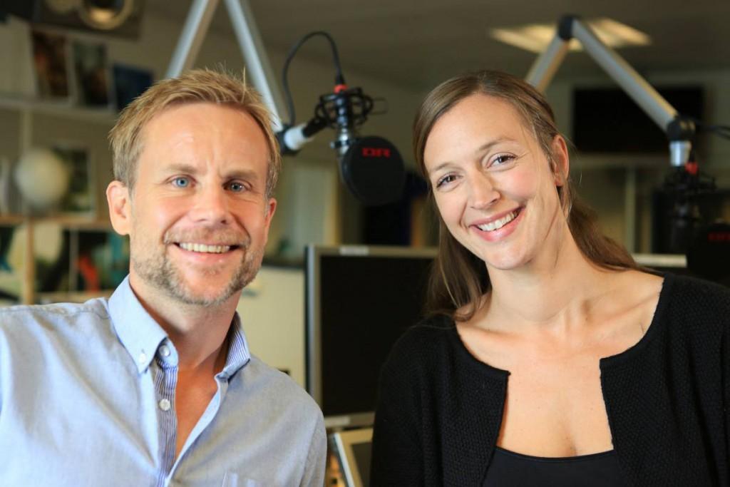 Programværter Kasper Harboe og Stine Bram - foto DR/Egon Rix
