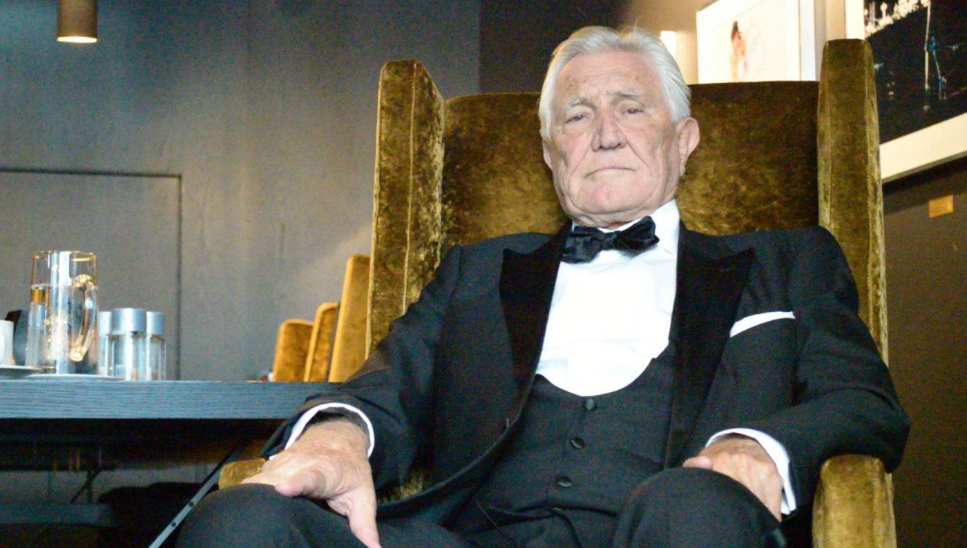 George Lazenby in a David Mason tux at The Thief, Oslo 01.09.2016 - photo © Brian Iskov