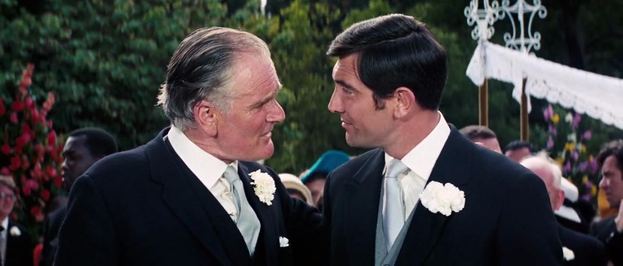 """Desmond Llewelyn og George Lazenby i """"Agent 007 i Hendes Majestæts hemmelige tjeneste"""" (1969) - framegrab"""