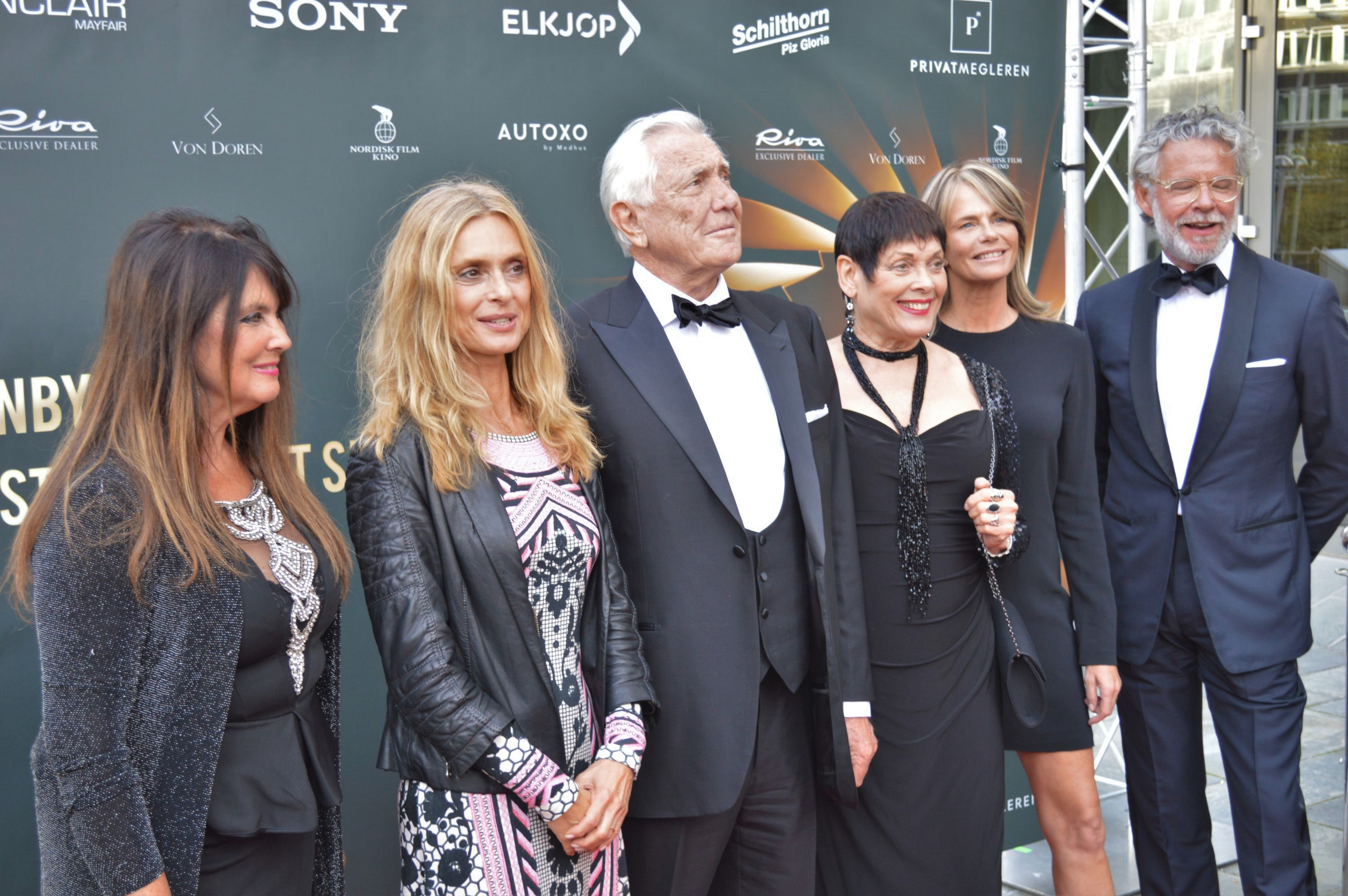 Caroline Munro, Maryam d'Abo, George Lazenby, Martine Beswick, Serena Scott Thomas and David Mason in Oslo 01.09.2016 - © Brian Iskov